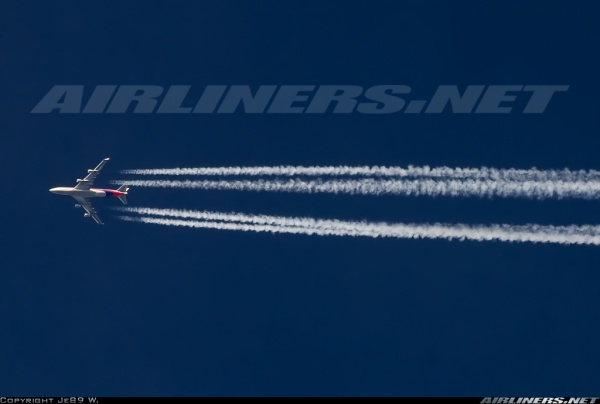 Exhaust_Contrail